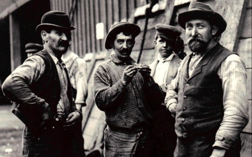 SF_Waterfront_Workers_1901