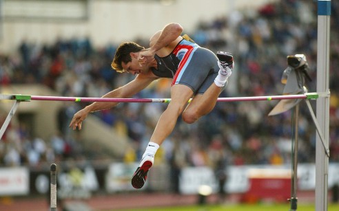OSLO, NORWAY - JUNE 28: Jeff Hartwig of the USA comes second in the mens Pole Vault during the IAAF Exxon Mobil Bislett Games at the Bislett Stadium in Oslo , Norway on June 28, 2002. (Photo by Christopher Lee / Getty Images )