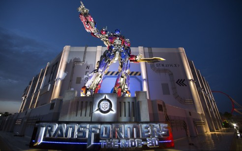 Universal Orlando's newest attraction, TRANSFORMERS: The Ride – 3D, has reached its one-millionth rider milestone just over a month after making its official debut at Universal Studios Florida.  The high-tech, mind-blowing ride experience places guests in the middle of an intergalactic battle where they join Optimus Prime and the Autobots in a fight to save mankind from Megatron and the Decepticons.  The ride is a must-see attraction at Universal Studios Florida and receives rave reviews from guests of all ages.